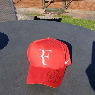 Roger Federer - Cap rot, persönlich signiert