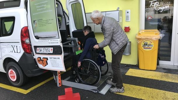 Neues Rollstuhlauto für den Rotkreuz Fahrdienst