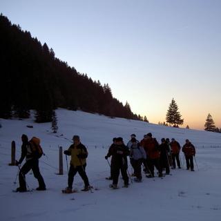 Schneeschuhtour oder Wanderung mit Outdoor-Raclette Essen