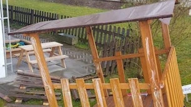 Neuer Gartenzaun für unsere Spielgruppe nach Unwetter