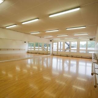 Tanz Trainings Arena - Tanzraum für dich und deine Freunde