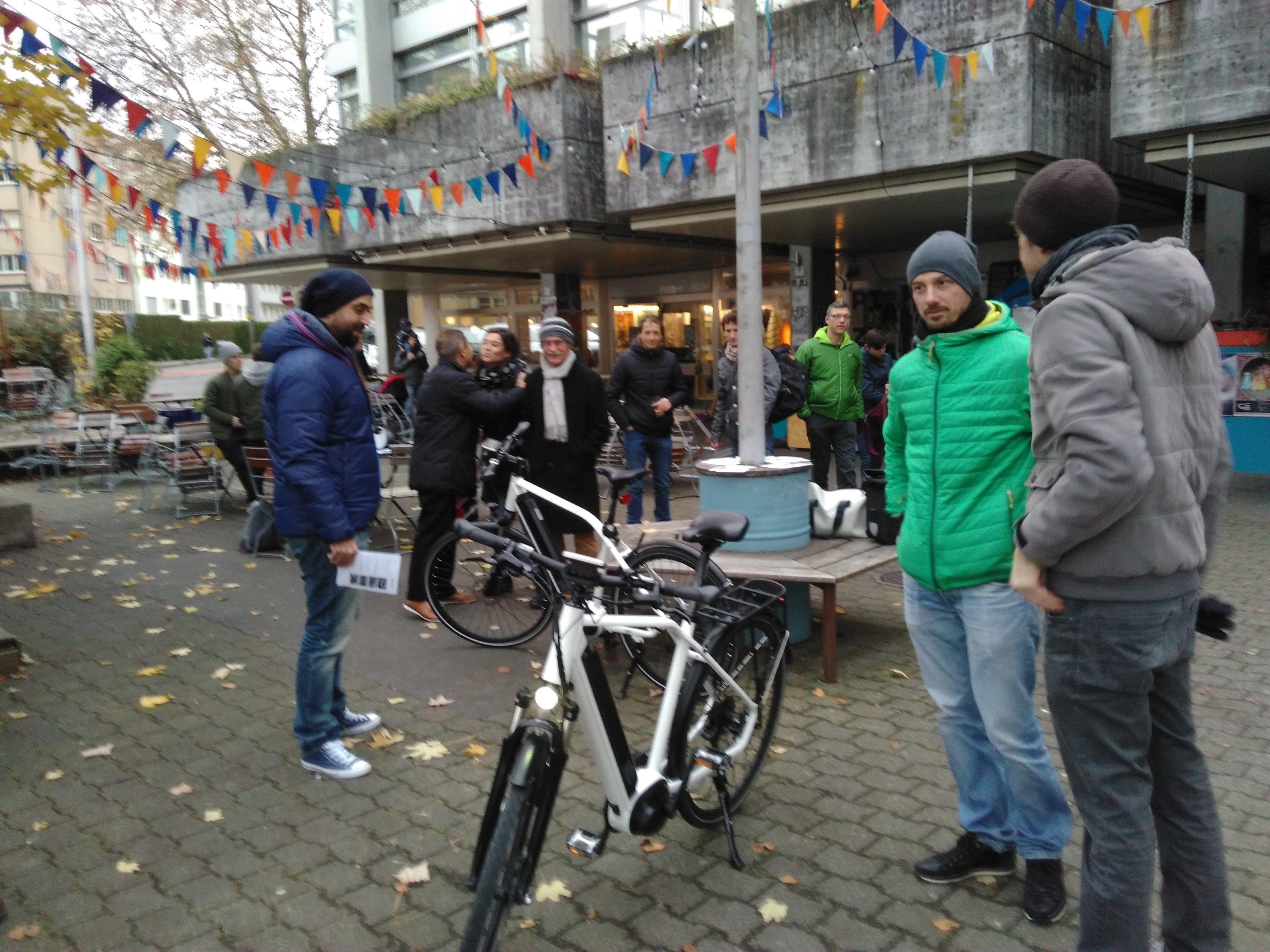 Start_Crowdfuning_Neubad_18.11.17_2_low.jpg