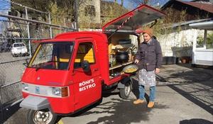 Umbau eines Piaggio APE zu einem Food-Truck.